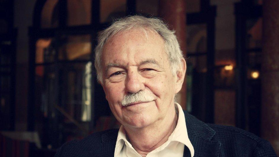 Eduardo Mendoza je jubilejním 15. laureátem Ceny Franze Kafky.