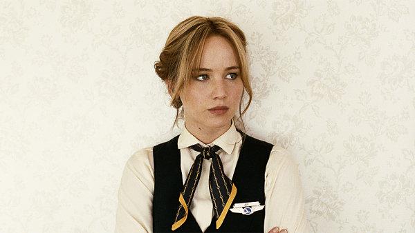 Hlavn� roli ve filmu Joy ztv�rnila Jennifer Lawrencov�.