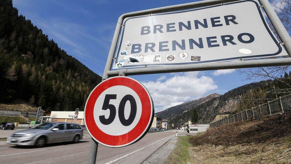 Na rakousko-italských hranicích by mohl vzniknout téměř 400 metrů dlouhý plot - Ilustrační foto.