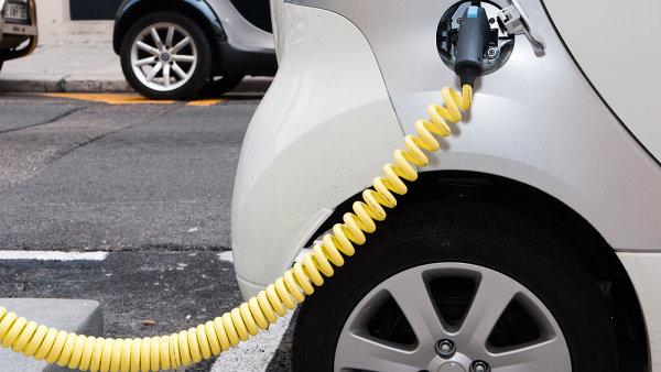 Podle poradenské firmy dosáhne roční prodej elektromobilů v ČR v roce 2020 až 7000 vozidel - Ilustrační foto.