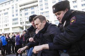 V ruských ulicích protestuje nová generace. Státní média protesty ignorují
