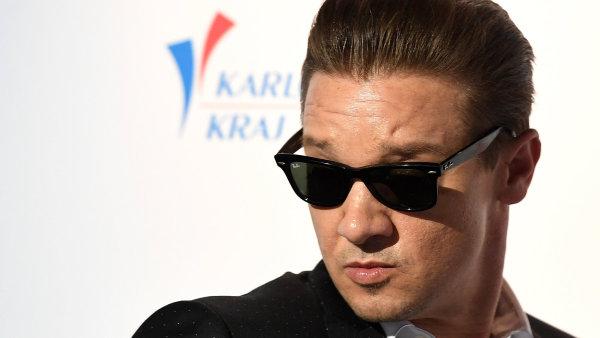 Jeremy Renner, hollywoodská hvězda na festivalu v Karlových Varech.