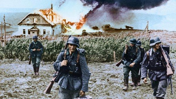 Katastrofa pod Charkovem: v květnu se Sověti pokusili o ofenzivu na východní Ukrajině. Skončilo to ale katastrofou a ztrátou 22 divizí a 1200 tanků. Asi 240 tisíc vojáků padlo do zajetí.