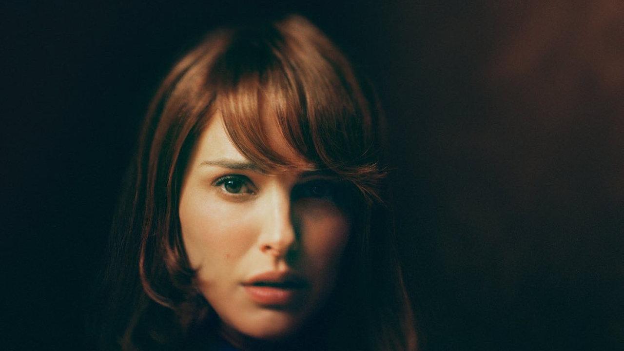 Natalie Portmanová ve filmu The Death and Life of John F. Donovan ztvární matku chlapce, jenž si koresponduje s celebritou.