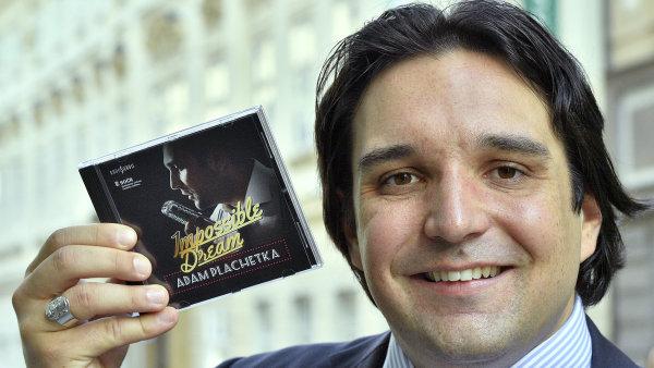 Nové album Impossible Dream vydá basbarytonista Adam Plachetka příští měsíc.