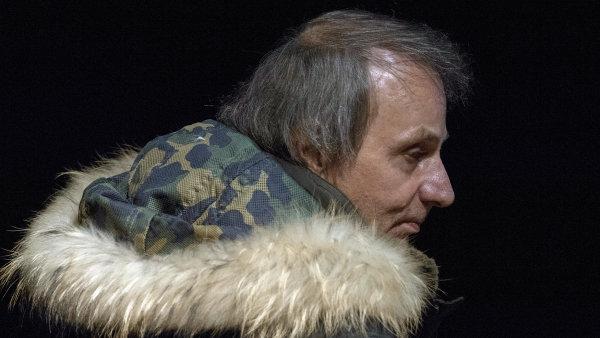 Michel Houellebecq ve Frankfurtu vystoupil v místním divadle, podle agentury DPA byl sál pro zhruba 800 lidí dopředu vyprodaný.