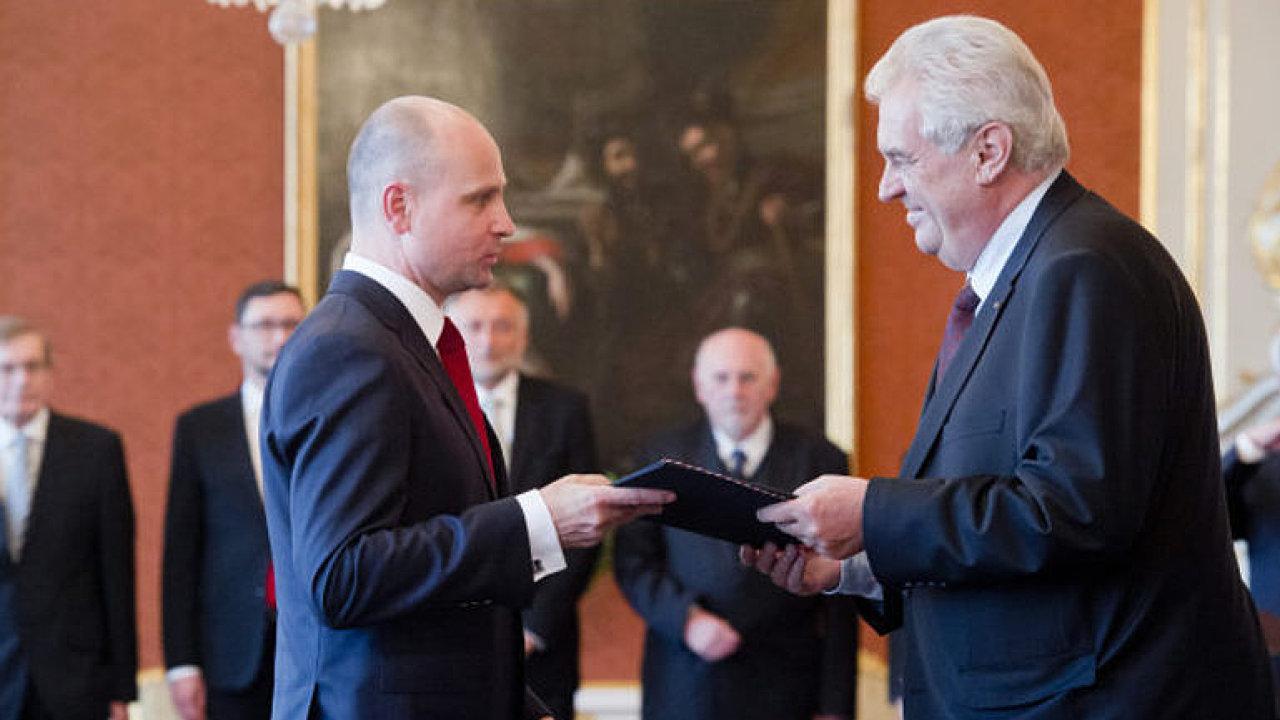Jmenování soudců prezidentem Milošem Zemanem.