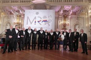 Česká manažerská asociace vyhlásila manažery čtvrtstoletí. Ocenění převzal šéf ČEZ Beneš nebo bývalý ministr Cienciala