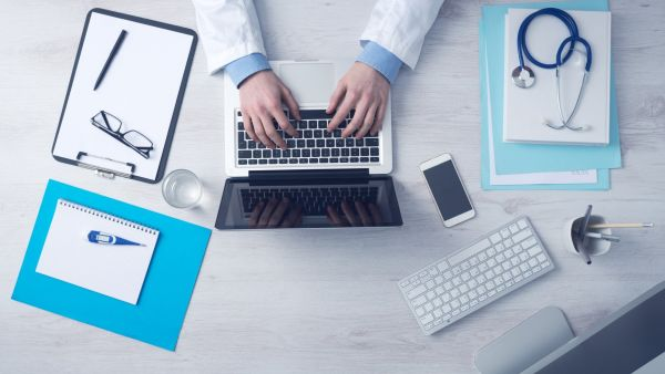 Ilustracni healthcare zdroj Accenture