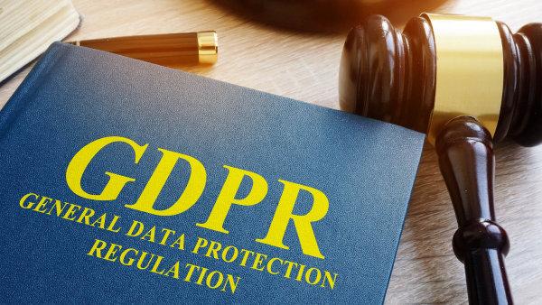 Kolem nového evropského nařízení o ochraně osobních dat se v Česku strhla hysterie a panika. Mluví se o astronomických pokutách. Co ale pro jedny znamená výdaje, druhým přináší zisky.