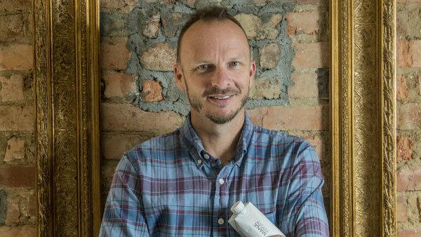 Šimon Čapek vybudoval v Česku značku Red Bull. Nyní chce tento úspěch zopakovat s alternativní potravinou Mana.