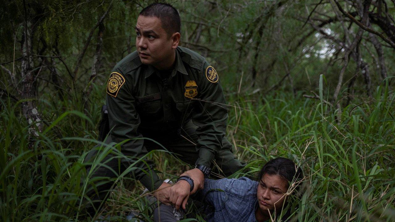 Proti novým občanům. Americké úřady podnikají hony na nelegální migranty.