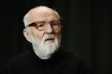 Mistr oboru. Téma reflexe listopadových událostí a života za socialismu vnesl do kinematografie i Jan Švankmajer ve snímku Konec stalinismu v Čechách.