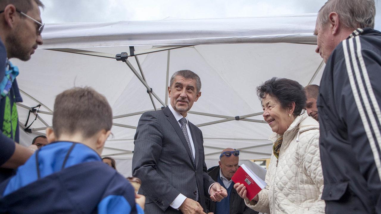 Ví, co jim říct. Andrej Babiš své voliče zná nebo to snimi aspoň umí.