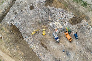 V Česku se ročně ztrácí tisíce tun nebezpečného odpadu. Na pachatele je inspekce krátká