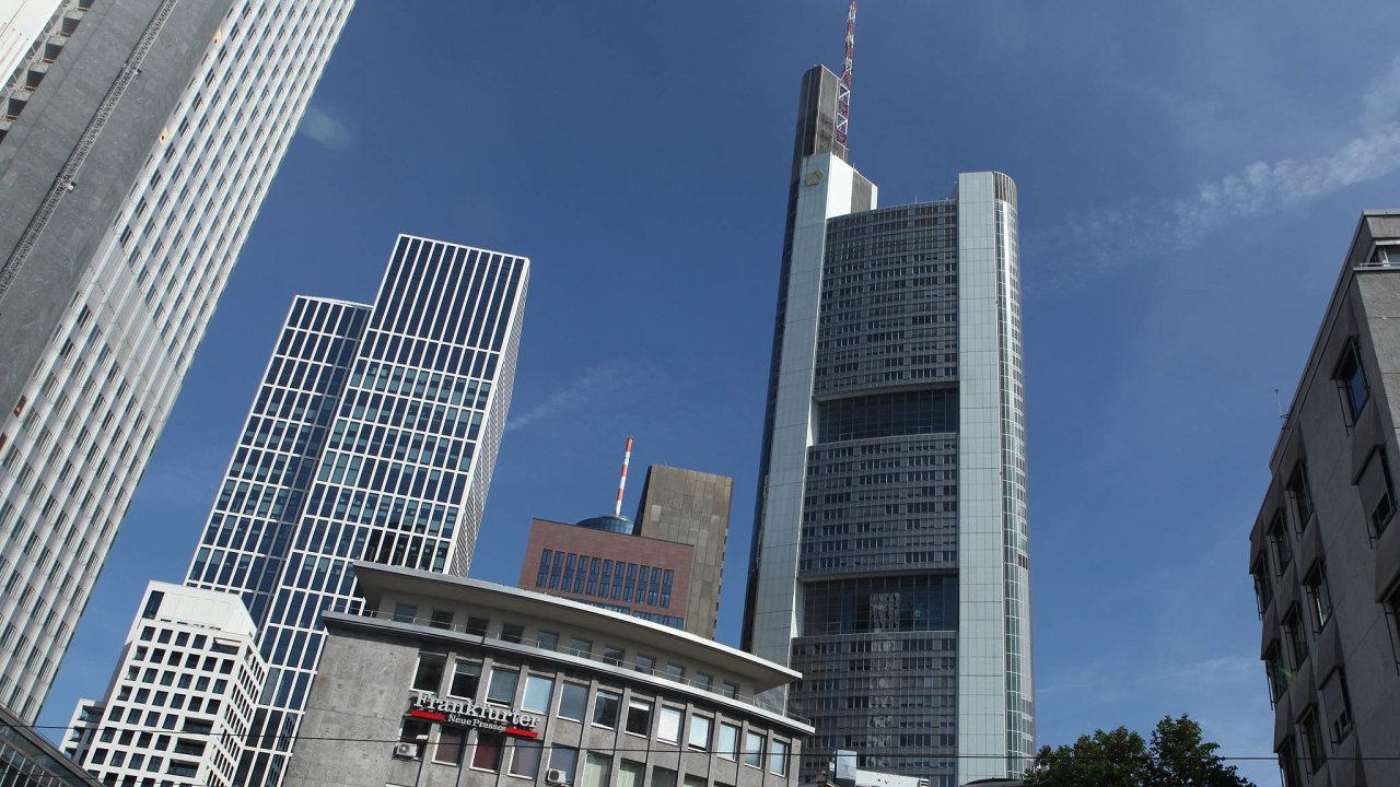 Stěhování nakontinent: Bankovní čtvrť vcentru města dělá zFrankfurtu jedno znejvýznamnějších byznysových center Evropy. Kvůli brexitu sem přicházejí banky zLondýna.