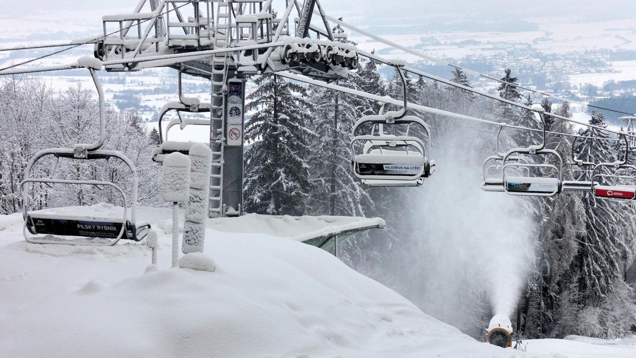 V Česku je 450 skiareálů, z toho 150 velkých. Na snímku Monínec na Táborsku.