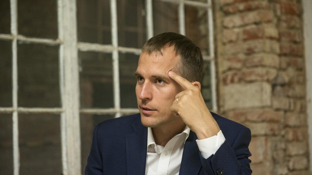 Část koalice Spolu chce na pražské kandidátce pro letošní volby vidět někdejšího člena KDU-ČSL Jana Čižinského, mohl by být náhradou za Dominika Feriho, vyloučeného z TOP 09.