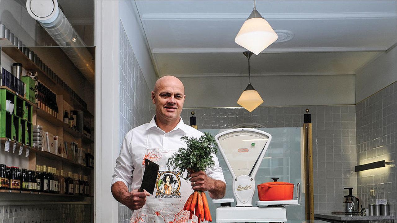 Rostlinné náhražky masa v Česku prodává i nizozemská značka The Vegetarian Butcher bývalého řezníka Jaapa Kortewega (na snímku).