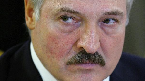 Brusel rozšířil sankce vůči Bělorusku. Na seznamu nežádoucích osob už je na  250 lidí 9862bda0bc5
