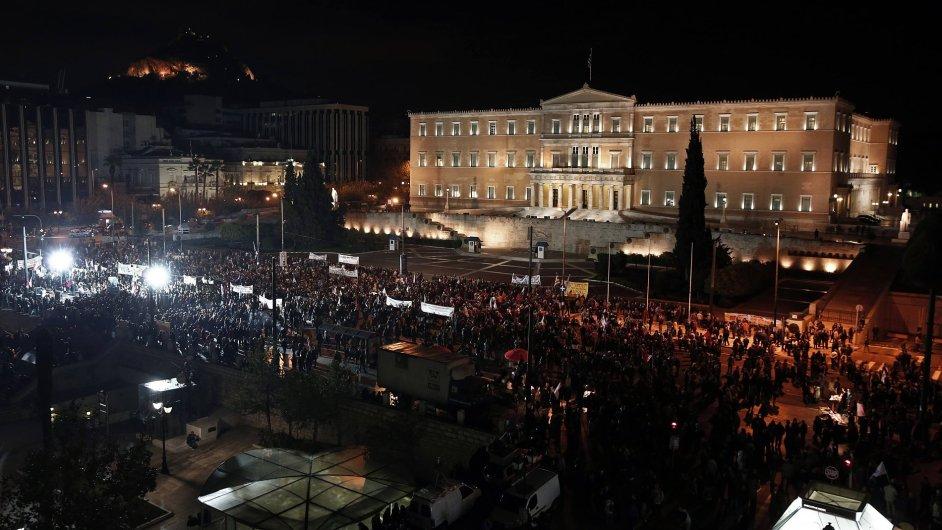 Protivládní protesty před řeckým parlamentem