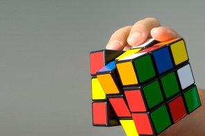 Nejlepší internetová videa: Složíte Rubikovu kostku za tři sekundy, nebo radši trápíte Google?