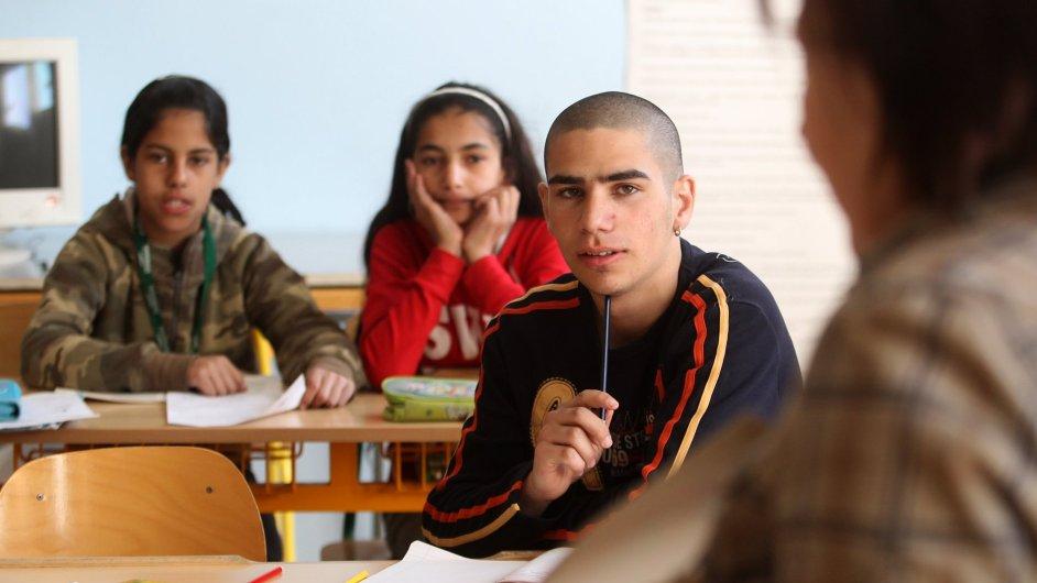 Zajd Raad Husajn je znepokojen i segregací romských dětí ve školách.