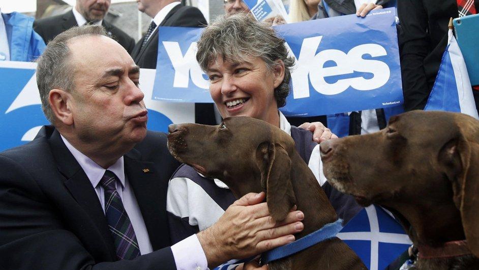 Skotský ministr Alex Salmond se zastánci samostatnosti země.