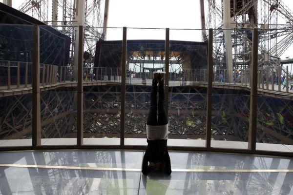 Rekonstruované 1. patro Eiffelovy věže
