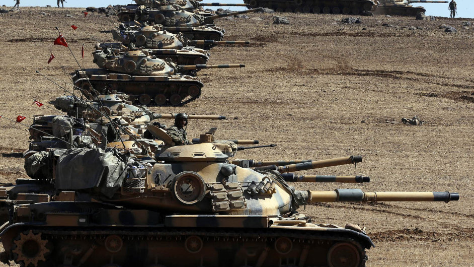 Turecký parlament schválil zásah tureckých vojsk v Sýrii a Iráku. Ankara poslala na hranice tanky.