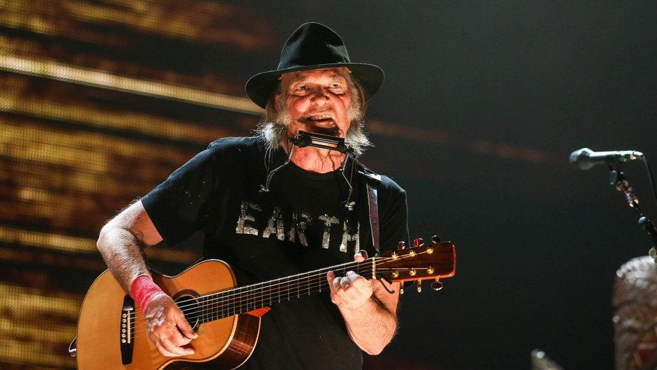 Album Storytone je pětatřicátá studiová deska Neila Younga.