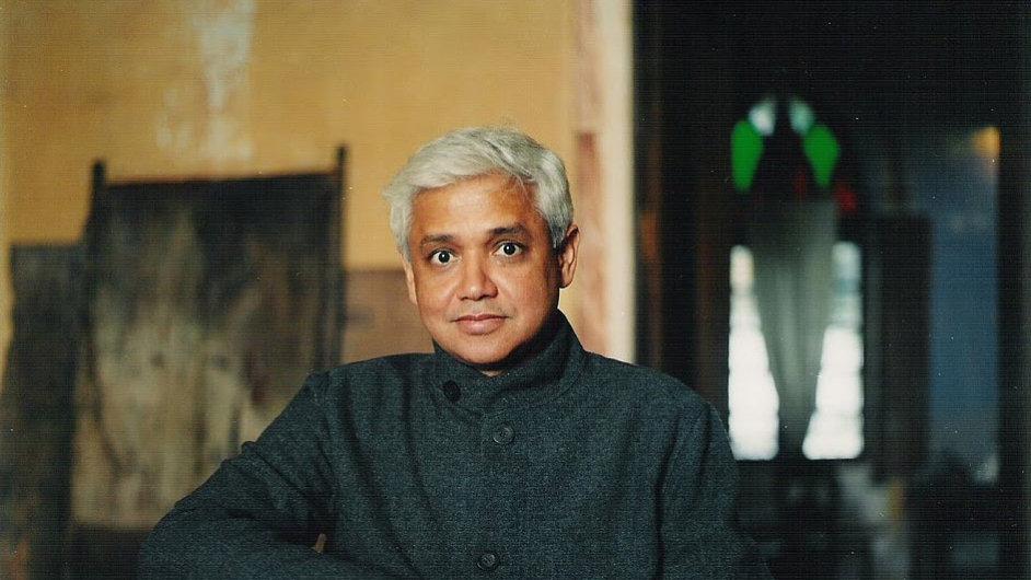 Na cenu je nominován i bengálský spisovatel Amitav Ghosh.