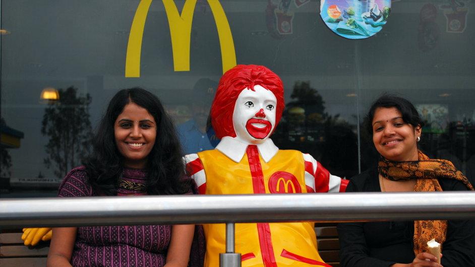 V indické Kelaře si chtějí pomocí daní došlápnout na fasfoody jako je McDonald's - Ilustrační foto.