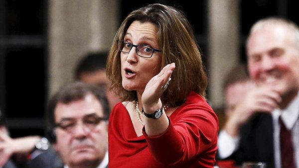 Rozčilená ministryně:Kanada, jedna znejvětších ekonomik světa, musí vyjednávat smalým belgickým Valonskem. Ministryni Chrystii Freelandovou to dohnalo kslzám.