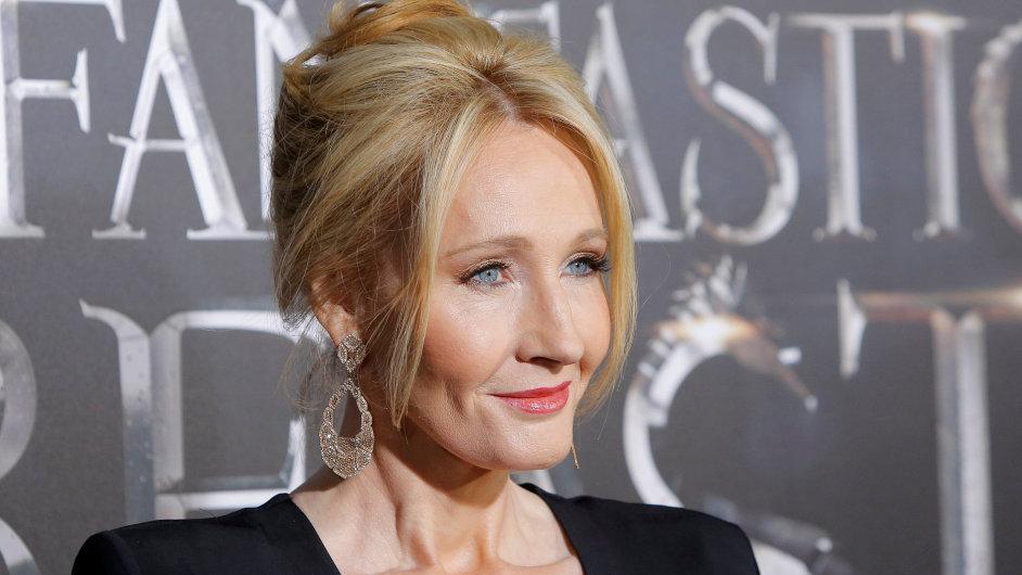 Čeští diváci mohou film Fantastická zvířata a kde je najít od J. K. Rowlingové (na snímku z newyorské premiéry) spatřit od čtvrtka.