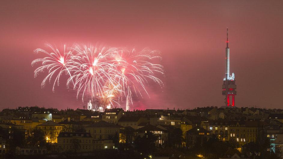 Příchod nového roku obvykle doprovázejí oslavy... a také tradice a předsevzetí.