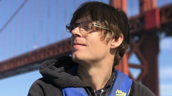 Nikomu práci neberu. V mé profesi softwarového inženýra je mnohem větší poptávka po zaměstnancích, jako jsem já, než jaká je tady místní americká nabídka, říká Petr Zadražil.