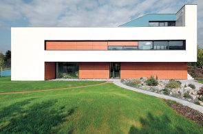 Prostor a světlo: Dům u Berounky připomíná abstraktní geometrickou malbu