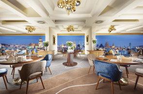 Panoramatická restaurace Zlatá Praha obměnila interiér i menu.