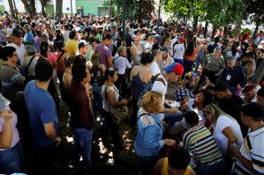 Drtivá většina venezuelských voličů odmítla v referendu snahy vlády posílit moc prezidenta Madura