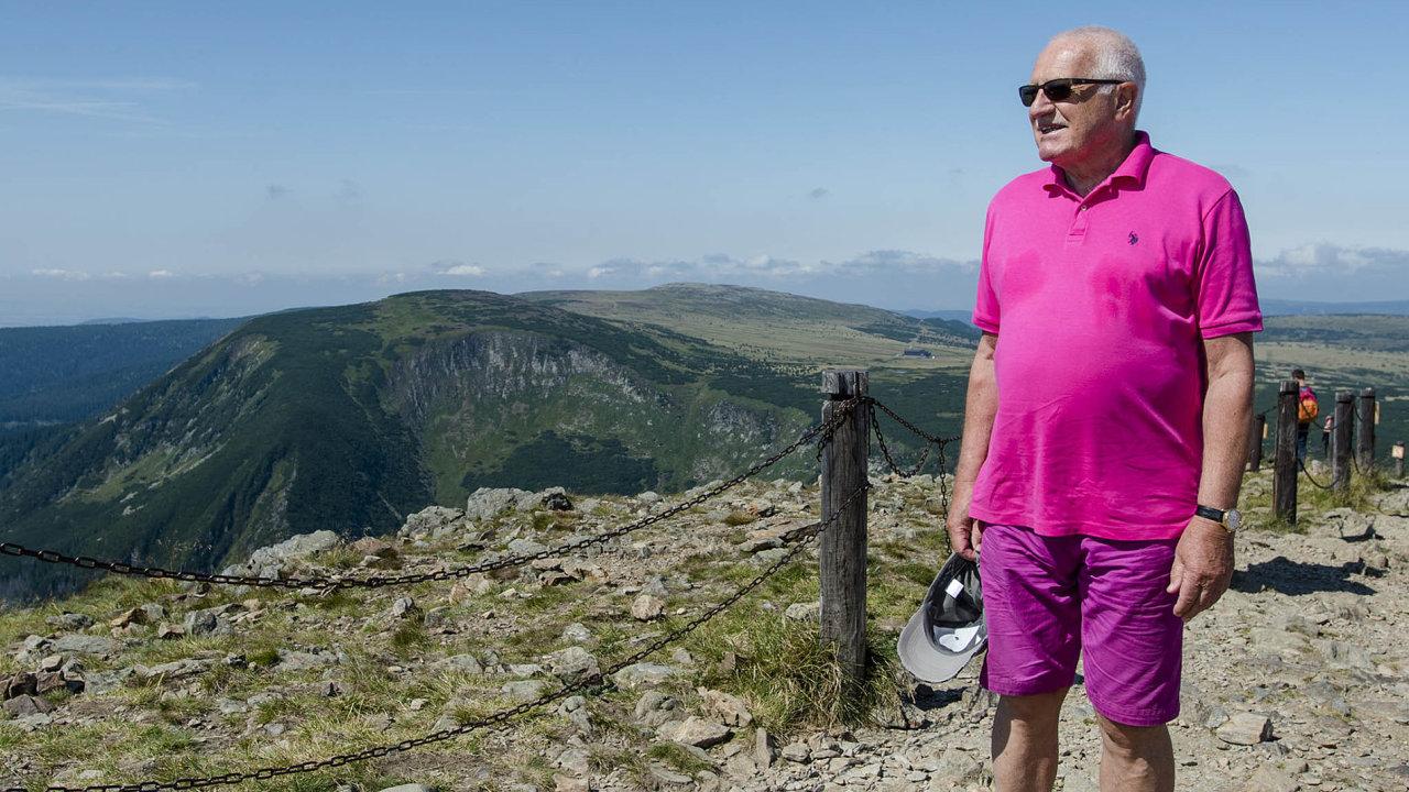 Exprezident Václav Klaus se jako každý rok vypravil na tradiční svatovavřineckou pouť naSněžku.