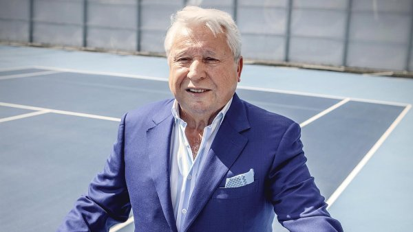 Sportovní manažer Miroslav Černošek má podíl ve firmě, která bude propagovat Prostějov