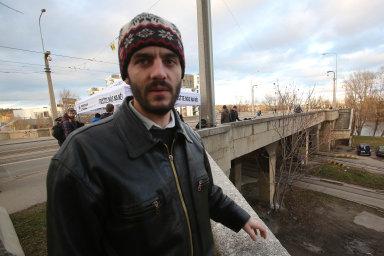 Fyzik Adam Scheinherr založil iniciativu Libeňský most nebourat, nerozšiřovat.