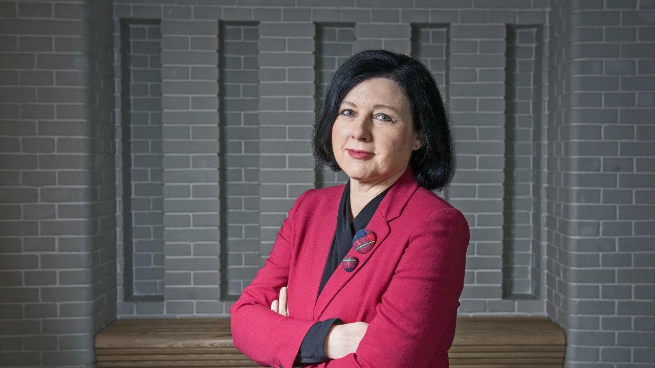 Věra Jourová, současná česká eurokomisařka za ANO, čekala na potvrzení své opakované kandidatury několik měsíců.