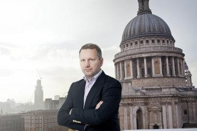 """V cizině. František Savov, majitel vydavatelství Mladá fronta a podnikatel majetkově zapojený do řady firem se složitou vlastnickou strukturou, žije """"pro jistotu"""" v Londýně."""
