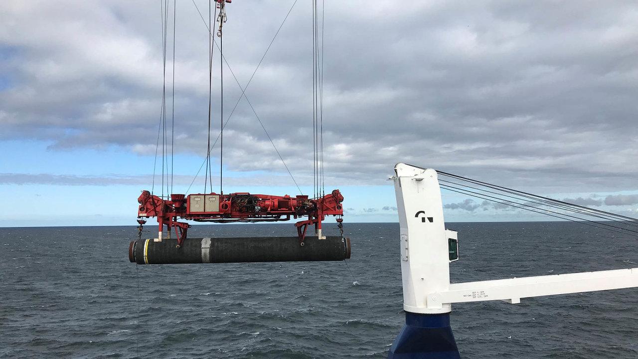 Zmoře napevninu: Vnejbližší době bude ukončeno pokládání potrubí nadně Baltského moře apráce se přesunou naněmeckou pevninu.
