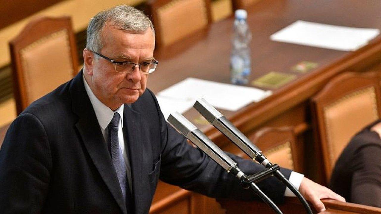 Honzejk: Kalousek je nejlepší lídr opozice, jeho odchod může být pro TOP 09 konečná