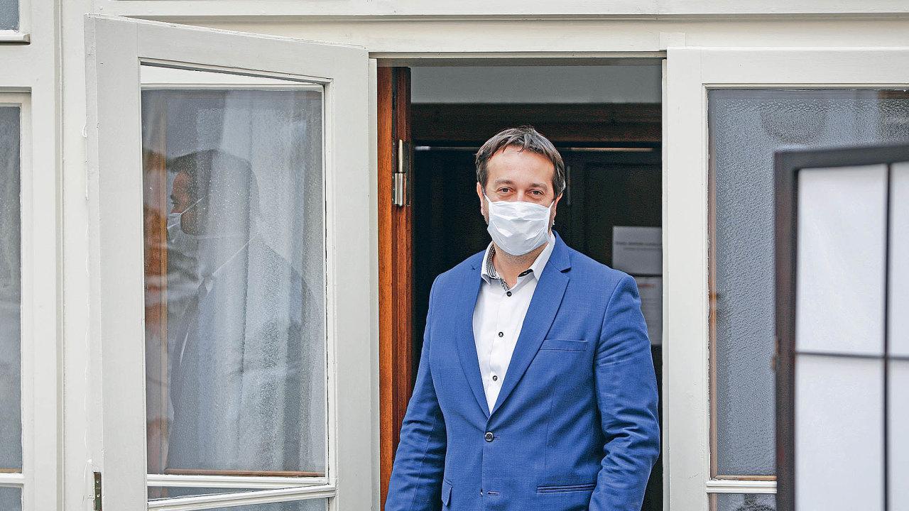 """""""Přiznám se, že zpendlerů obavu máme. Musíme sledovat situaci vpříhraničí,"""" říkáRastislav Maďar."""
