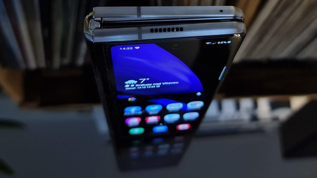 Galaxy Z Fold 2 ukazuje už dnes použitelnou budoucnost.