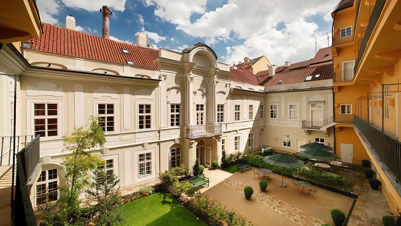 Generali versus hotel. Na jednu miliardu korun ocenili experti hodnotu Hotelu Smetana.